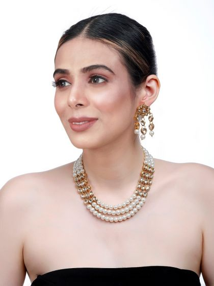Kundan and Pearl Necklace Earrings Set