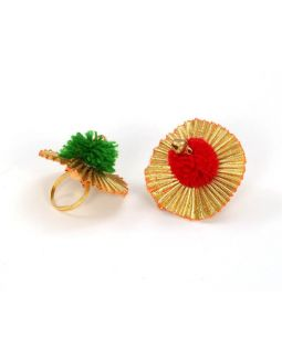 Gotta Flower Pompom Rings