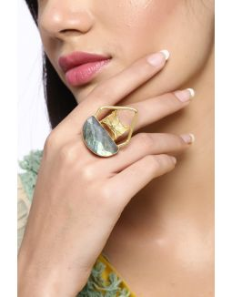 Gold Damroo Stone Ring