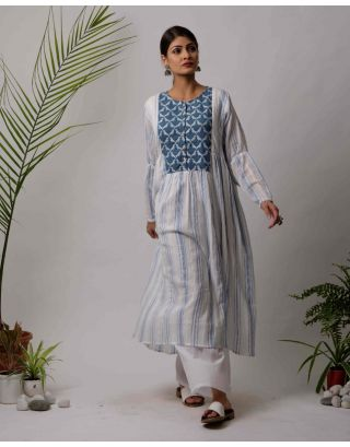 White and Blue Parrot Kurta Pants Set
