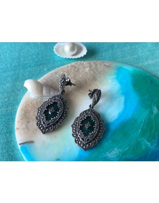 Royal Design With Marcasite & Embrald Stone Studded Earrings
