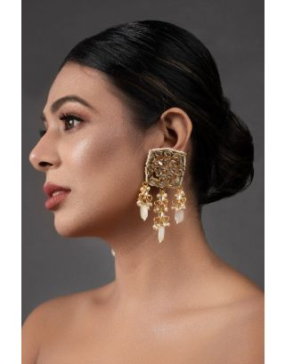 Cream Gold Toned Kundan Earrings