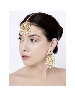 Round Kundan Pearl Earrings and Mangtika Set