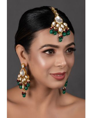 Emerald Mang Tikka with Earrings