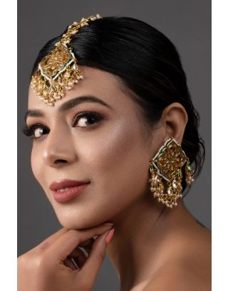 Gold Tone Kundan Mang Tikka with Earrings