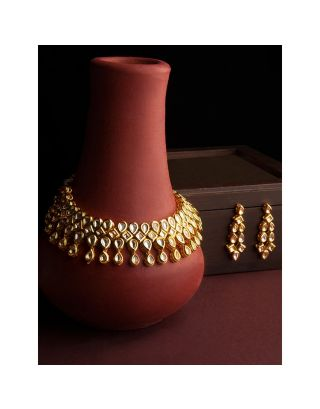 Golden Kundan Necklace set