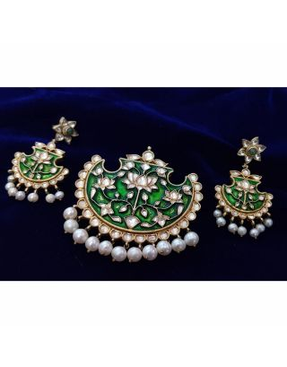 Green Kundan Pearl Pendant and Earrings Set
