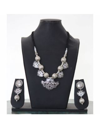Silver Designer Necklace Set