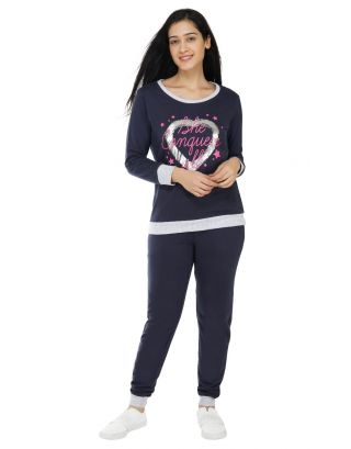 She conquers all Women's Jogger Set