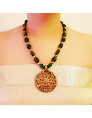 Green Necklace with Round Pendant