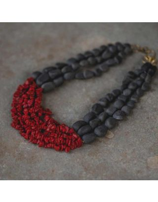 Red Humming Necklace