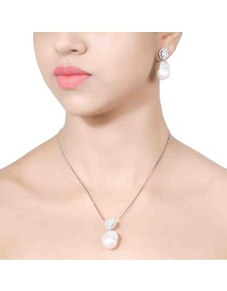 Zirconia Pearl Necklace Set
