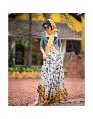 White and Yellow Bird Printed Saree